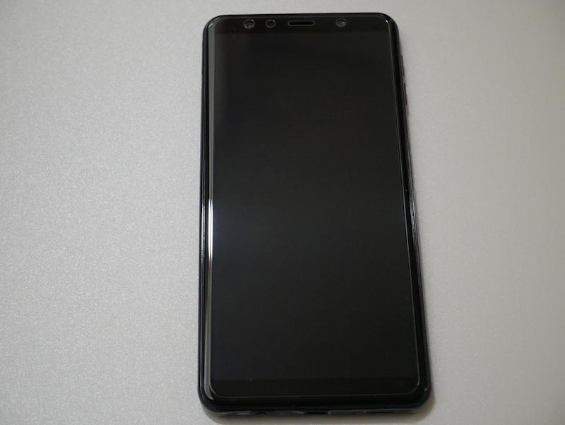 Galaxy A7にガラスフィルム貼り付けた状態